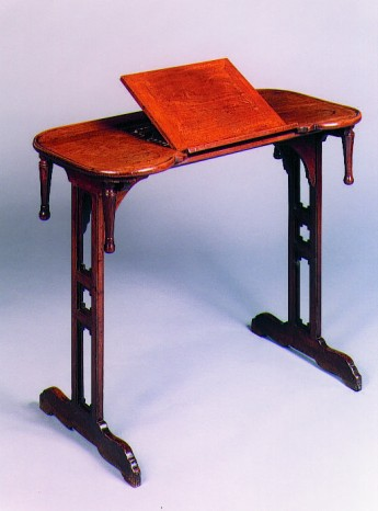 Canabas Table
